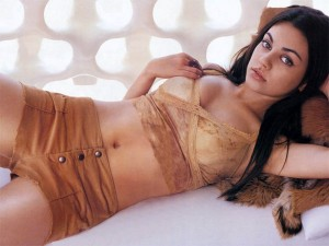 mila kunis from max payne on bed