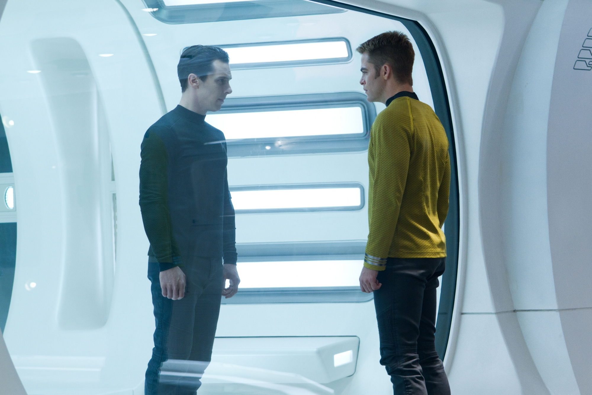 star-trek-into-darkness-benedict-cumberbatch-chris-pine1