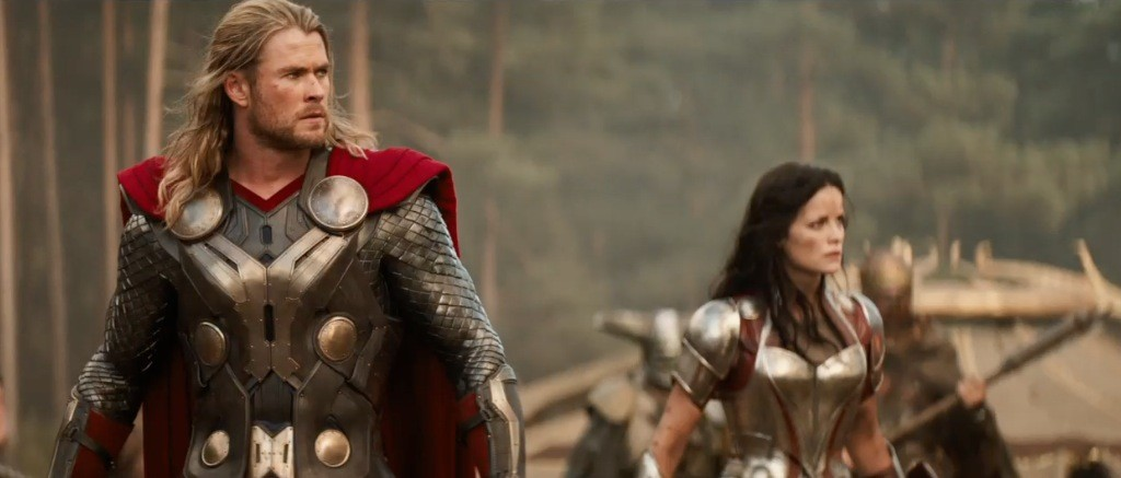 thor-the-dark-world-movie-trailer-screenshot-thor-and-sif
